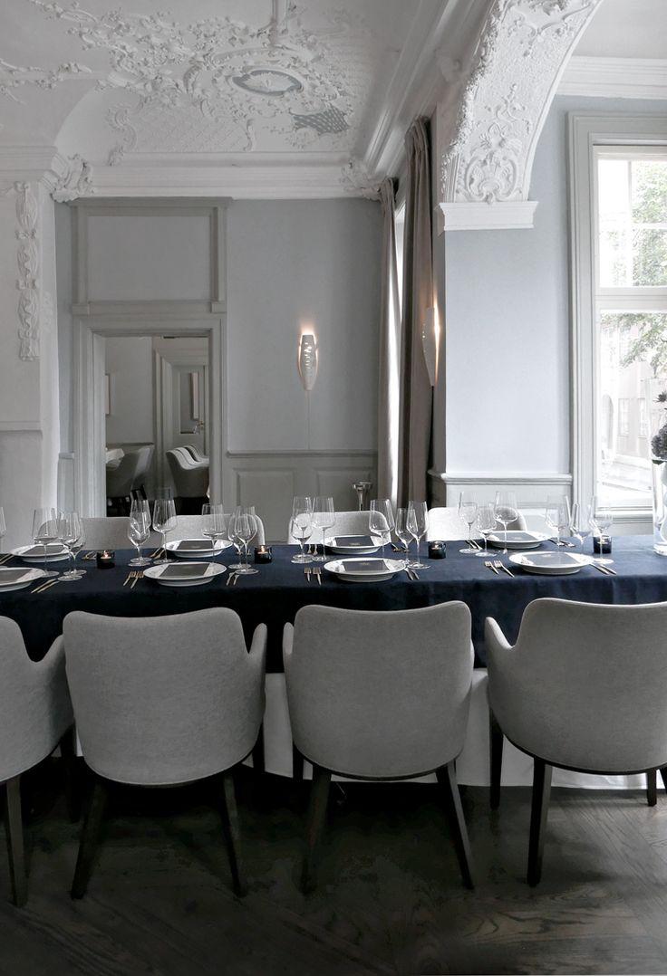 Royal Copenhagen´s blue table setting