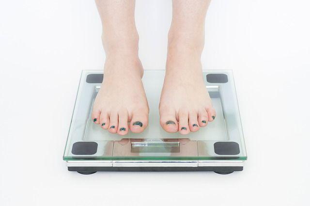 Come ridurre naturalmente il senso di fame per dimagrire? Ecco perché il controllo sul cibo e lo stress da diete influenza il nostro appetito.
