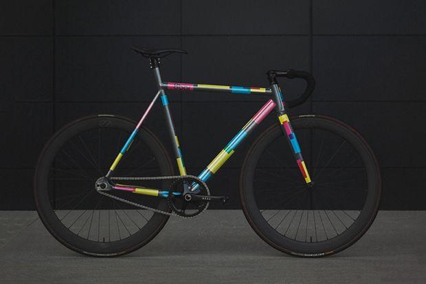 Bicicleta da 8bar, empresa de Berlim que acaba de apresentar o novo projeto intitulado KRZBERG v5 fixed-gear bike.
