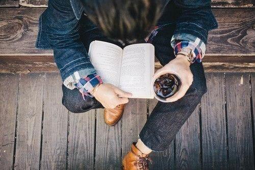 10 рассказов, которые можно почитать в свободную минутку