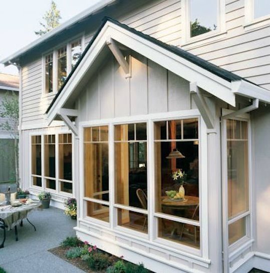 These single-hung windows have a clean, classic look that's appropriate for nearly any home. by Jeld Wen