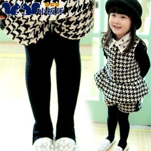 2013 new korean models fall fashion tartan clothing baby girls short pants t0170 children only $15.53USD a Piece