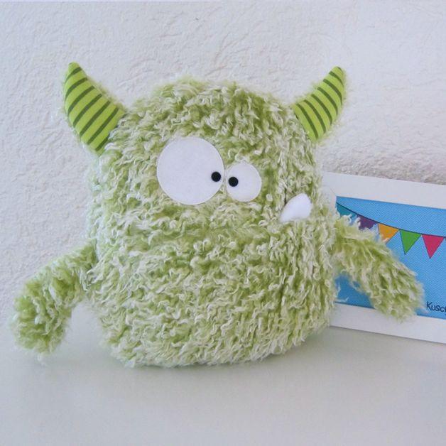 Monster & Tiere - ♥ XL Kuschelmonster ♥ - ein Designerstück von KuschelICH bei DaWanda