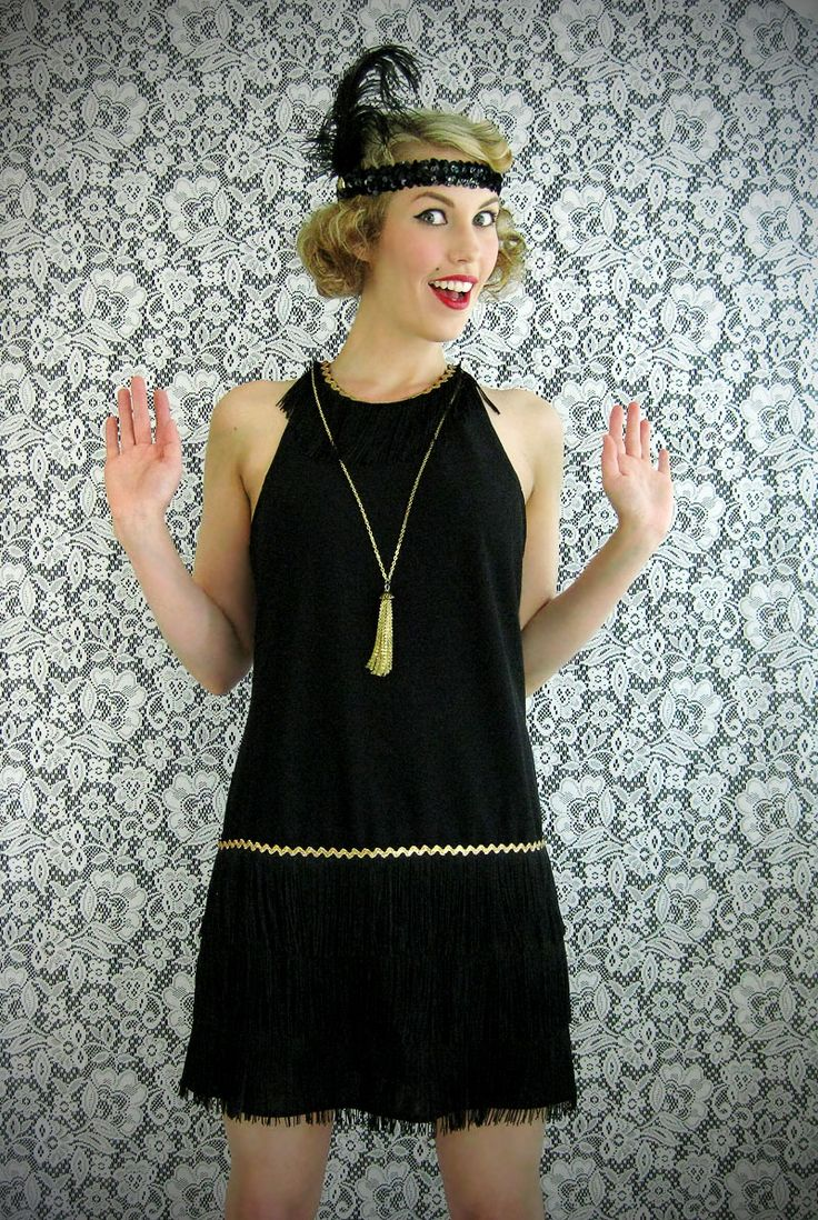Wear The Canvas: DIY Flapper Dress Costume @Samantha Hardinger we could alter it I how we want