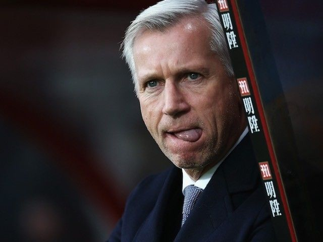 Crystal Palace boss Alan Pardew: 'Leicester difficult to catch in title race'