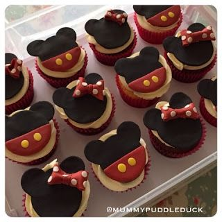 Mickey Mouse and Minnie Mouse  ‪#‎cupcake toppers.  ‪#‎Disney Mummypuddleduck blog: Coloured icing review - Renshaw, Tesco own label and Squires Kitchen