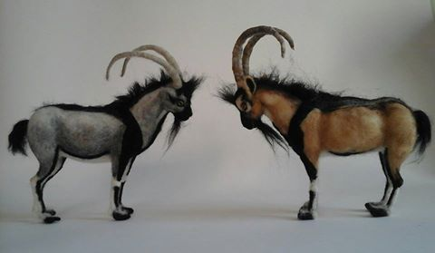 Needle felted goats - Kri kri  They live in Crete  (an island in Greece). #needle #felt #needlefelted #miniature  https://www.etsy.com/shop/ElinasArtShop?ref=hdr_shop_menu