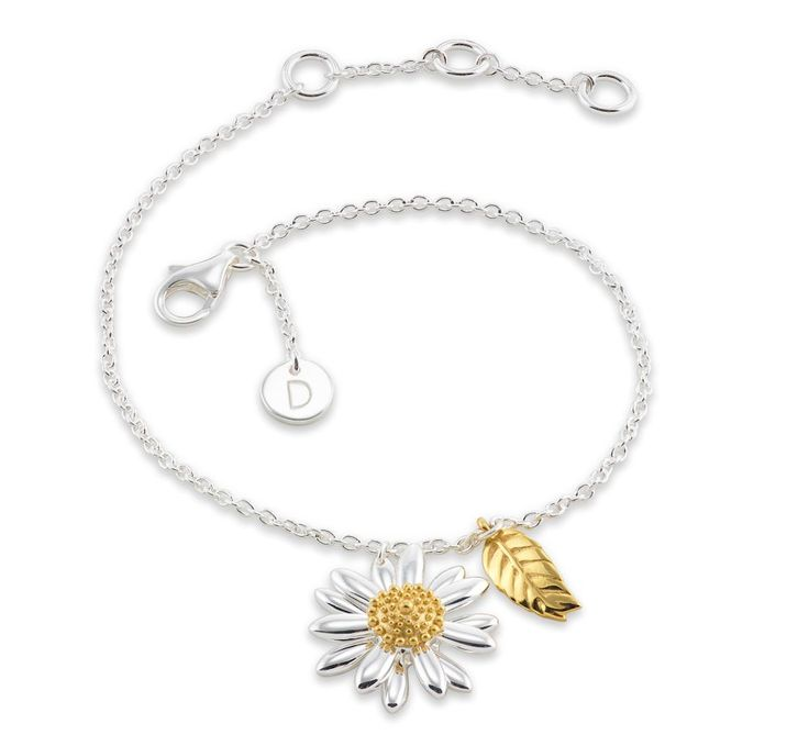 If you're interested in floral wedding jewellery, Daisy London has to be worth a look!