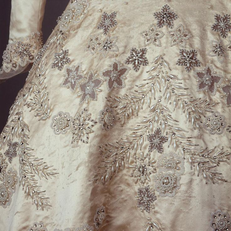 Queen Elizabeth Wedding Dress in 'The Crown' - This Is How Much the Replica of Queen Elizabeth's Wedding Dress in 'The Crown' Cost