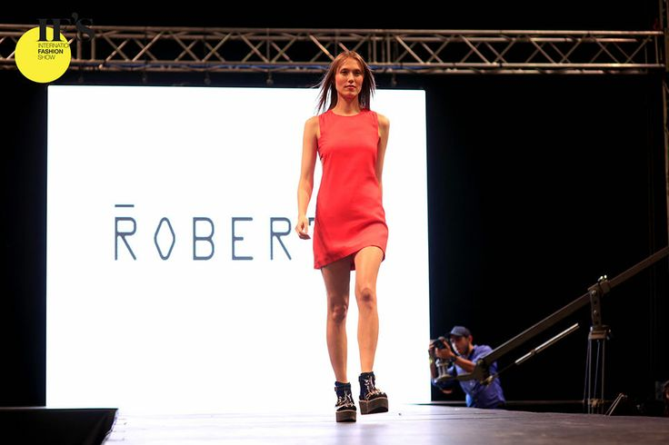 Momento del desfile IFS. #moda #desfile #ifs #chile #ifschile #modachile #modelo #model #runway #catwalk #fashionshow #showroom