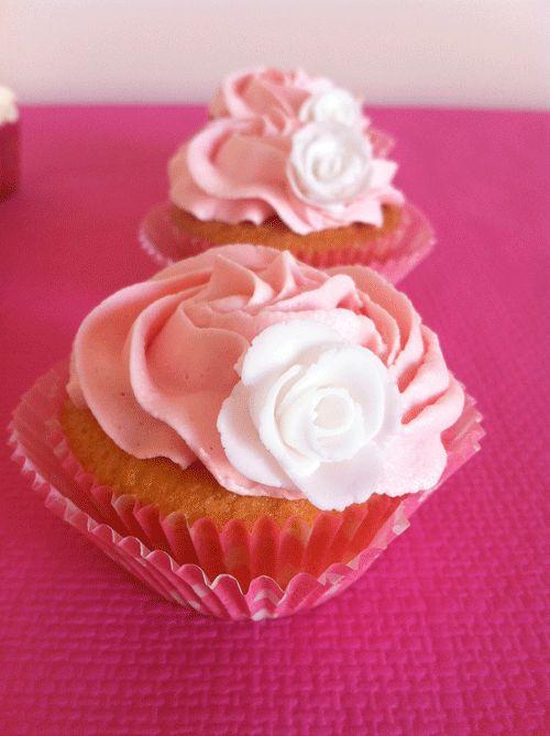 Receta básica de cupcakes de vainilla.