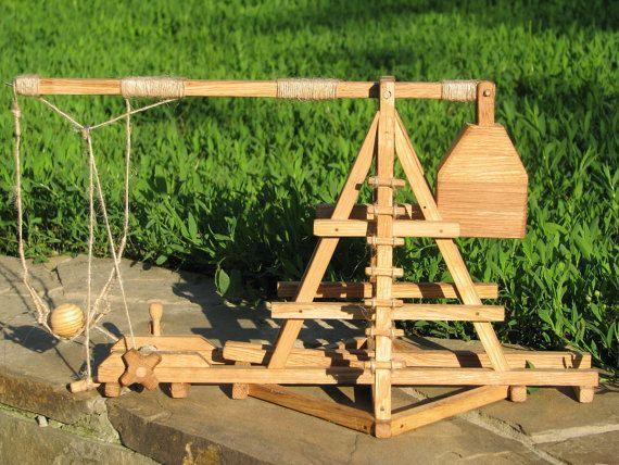 Medieval Catapult / Trebuchet / Wooden Toy   Toys, Armors ...   570 x 428 jpeg 127kB