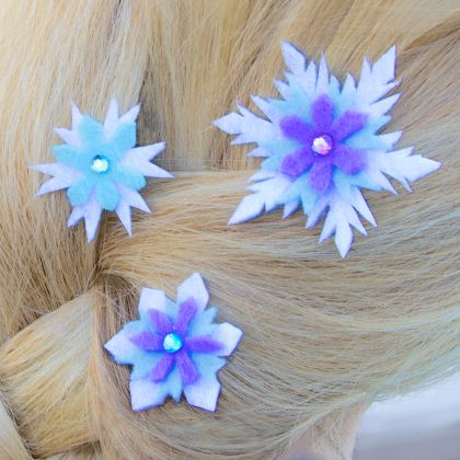 Elsa's Snowflake Hair Barrettes | Spoonful Gonna make these for my girls to wear when we go see Frozen!