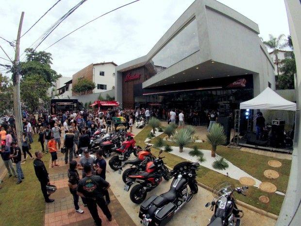 A Indian Motorcycle abriu sua terceira loja, no Brasil, desta vez em Belo Horizonte (MG). Já estão em funcionamento as unidades de São Paulo e Rio de Janeiro. A quarta e última concessionária da ma...