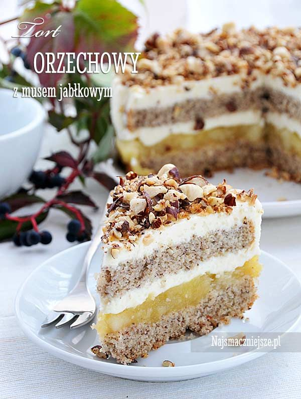 Tort orzechowy z musem jabłkowym, mus jabłkowy, tort orzechowy, biszkopt orzechowy, orzechy laskowe, http://najsmaczniejsze.pl #food #cake #tort #ciasto