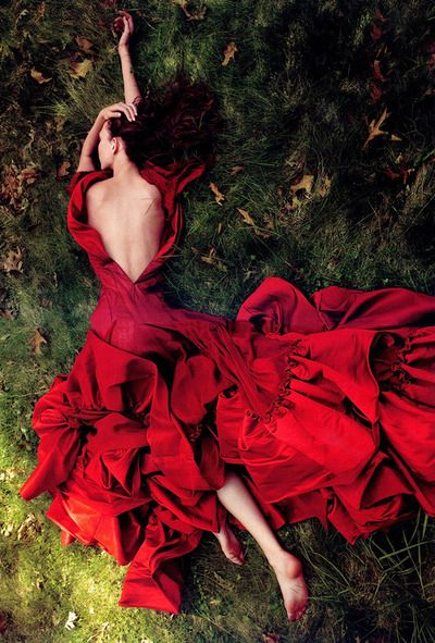 Karlie Kloss in Vogue, July 2009. Photographed by by Annie Leibovitz. #fashion #editorial