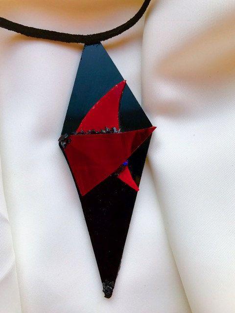Handgemaakte, exclusieve ketting met hanger gemaakt van verschillende stukken Tiffany glas door BeautifullSieraden op Etsy