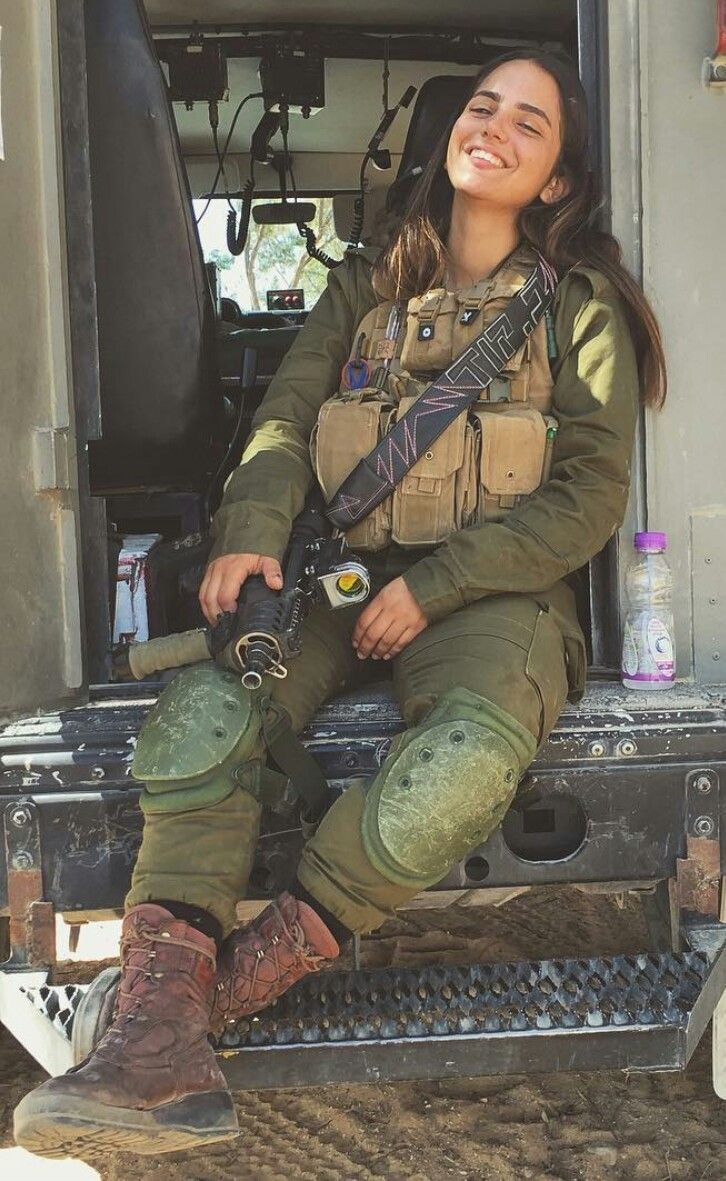 26 Best Gorgeous Military Babes Images On Pinterest  Female Soldier, Military Female -6309
