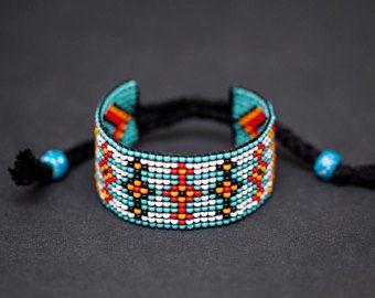 Blauwe authentieke Indiaanse gerolde armband, Algonquin Ojibwe Design, Loom gerolde armband, Boho armband, zaad parel sieraden
