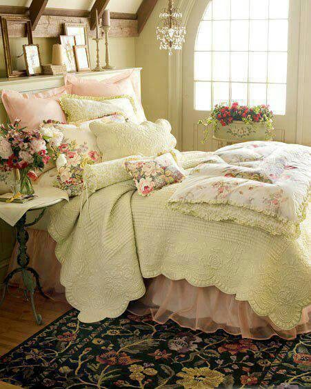 Bedroom ideas ♡ ♡ ♡ Holy Moly I love this so much!