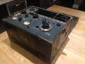 Radio marconi trouvé dans un mur de maison Québec City Québec image 1
