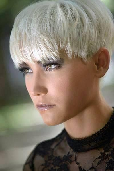 55 best frisuren images on pinterest new hairstyles hair cut and shorter hair. Black Bedroom Furniture Sets. Home Design Ideas