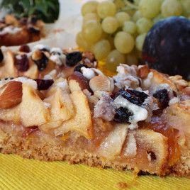 Crostata Strudel con uva e mele al caramello