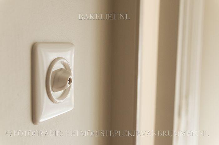 Wit bakeliet schakelmateriaal - Bakeliet.nl