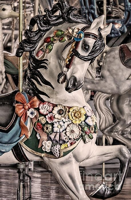Another beautiful carousel horse #Pinterest Carousels