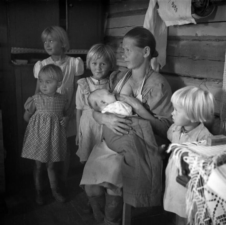 1940's Karelian mother with 5 children - in Finland WWII.