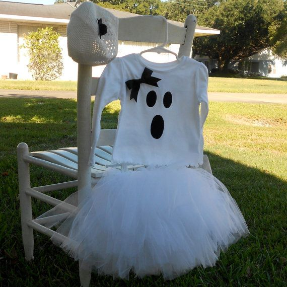 Ghost Tutu Halloween Costume- I saw a girl with this costume today at the pumpkin walk... this would work great for a kid or an adult!  Put it with some place and white striped tights......so cute!