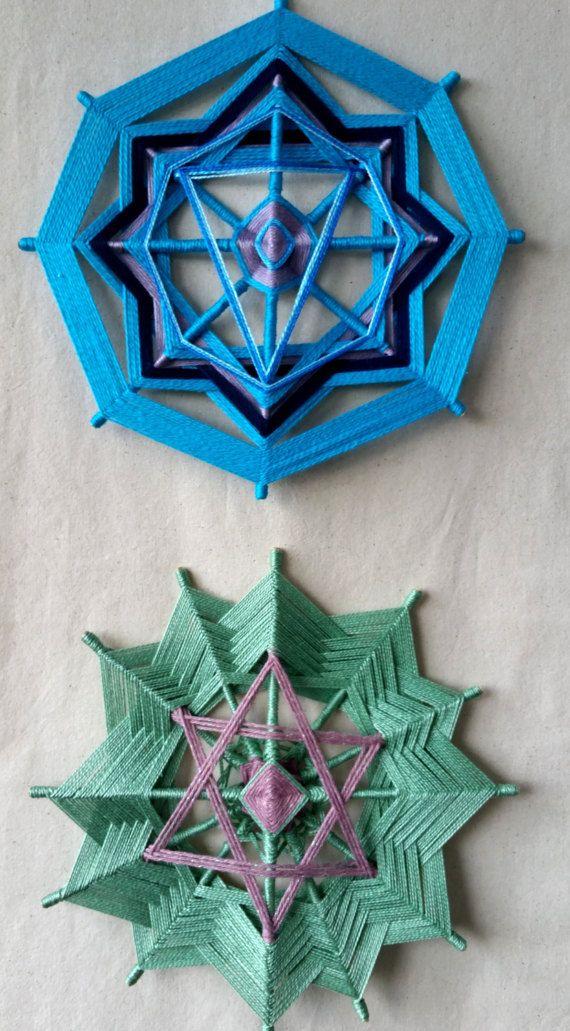 Este Chakra encantador juego viene con siete pequeños mandalas lindos con 20cm cada uno; HECHO por encargo - envío en 5 días Chakras son una poderosa herramienta para la exploración del uno mismo. Cada chakra trae aspectos de nuestro ser para que podamos trabajar en ellas y mejorar
