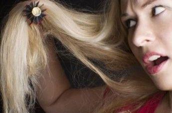 Pour avoir des cheveux brillant et en bonne santé sans se ruiner en soins capillaires, la nature peut venir à votre secours. Il vous suffit juste d'ouvrir votreréfrigérateur ! Si vos cheveux sont dévitalisés, fatigués, très abîmés, ou particulièrement secs, voilà 5 remèdes qui peuve…