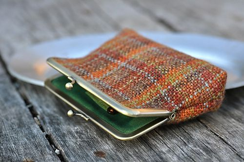 Handspun yarn woven into a beautiful fabric then made into a purse. One of the most beautiful projects on ravelry!