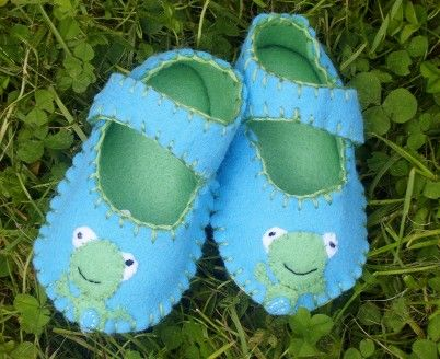 Frog Baby Shoes / Felt Booties / Boys / Girls by WithHugsandKisses, $17.99