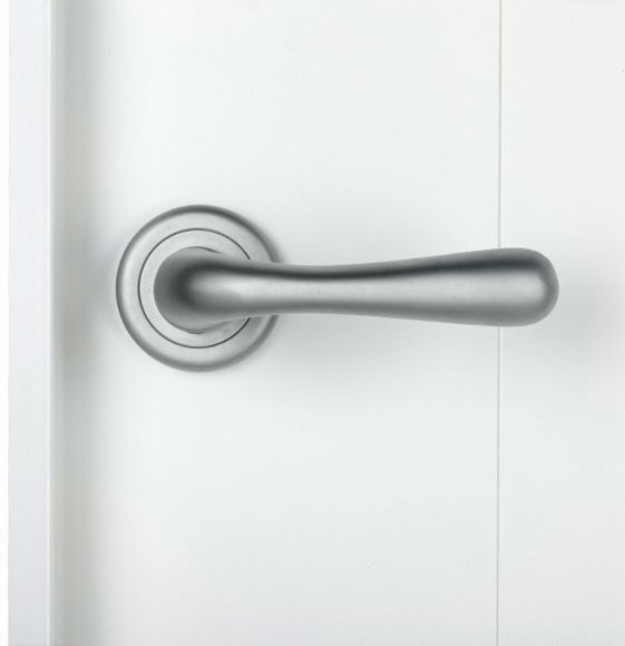 1000 images about accesorios para puertas de interior on - Manivelas para puertas ...