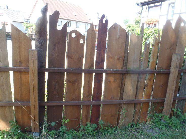 Gartenzaun aus Schwartenbrettern Sichtschutz Pinterest - gartenzaun holz selber bauen