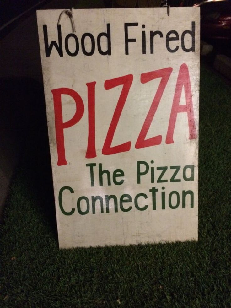 The Pizza Connection - Lahaina, HI - Best wood-fired pizza on Maui!