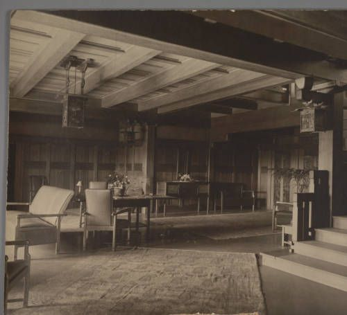[Interior: entry hall]. http://digitallibrary.usc.edu/cdm/ref/collection/p15799coll61/id/786