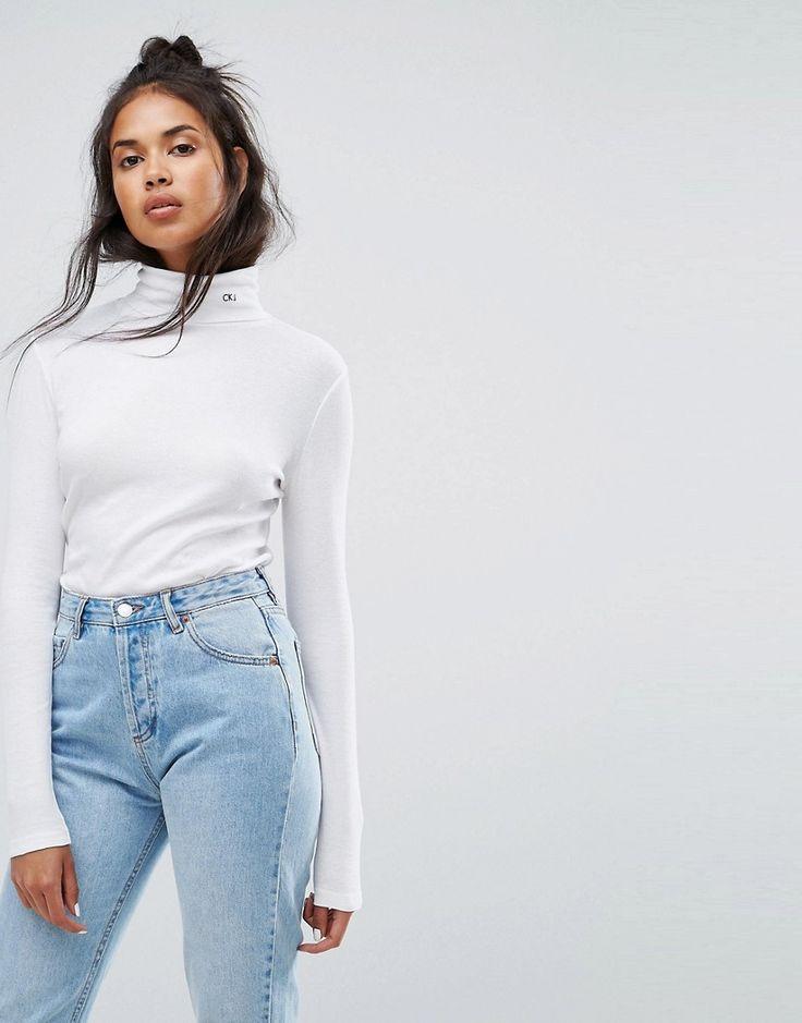 Calvin Klein Jeans - Rollkragenpullover mit Logo - Weiß Jetzt bestellen unter: https://mode.ladendirekt.de/damen/bekleidung/pullover/rollkragenpullover/?uid=eeb5f5a9-2e03-5698-9273-02c09e53e273&utm_source=pinterest&utm_medium=pin&utm_campaign=boards #pullover #rollkragenpullover #langärmlige #female #bekleidung #oberteile