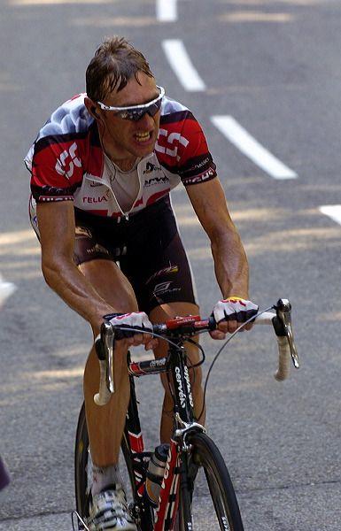 Jens Voigt (Team CSC) falls back on Plateau de Beille after long breakaway