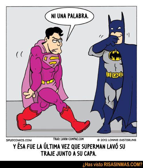 """Y esa fue la ultima vez que Superman lavo su traje junto a su capa.  Superman le dice """"Ni una palabra"""" a Batman."""