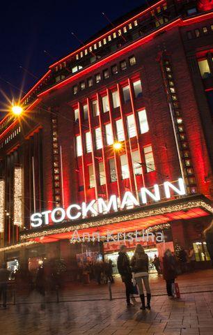 Ann-Kristina Al-Zalimi, stockmann, stocmannin tavaratalo, helsinki, jouluostokset, finland, jouluvalaistus, aleksanterinkadun jouluvalaistus