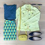 #flatlayfridiy - Ach, das macht echt Spaß. Vielen Dank Ulrike @moritzwerk . Meine Kombination für die ersten wärmeren Tage, so wie gestern: Einer meiner ersten Röcke, den ich vor 2 Jahren genäht habe, mit frischem Gelb☀️. Dazu ein petrolfarbenes Shirt, und meine #cambagtessa aus Leder. Eine gekaufte Jeansjacke und blaue Pumps ergänzen das DIY-Outfit. Und mir geht es wie @bysoneken … muss shoppen gehen🤣. Eine dunkelblaue Strumpfhose, dann passt das zu meinen dunkelblauen Stiefeletten und mit…