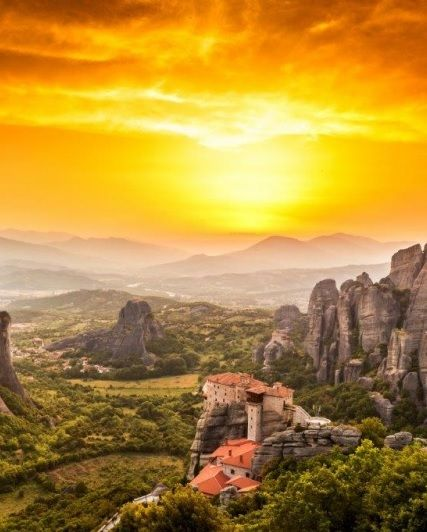 Admire the magical #Meteora bathed in the lovely #sunset colours through an unforgettable #SunsetTour experience. This is a Tour not to be missed by anyone visiting #Meteora & #Greece! http://www.tresorhotels.com/en/offers/177/sunset-tour-sta-metewra