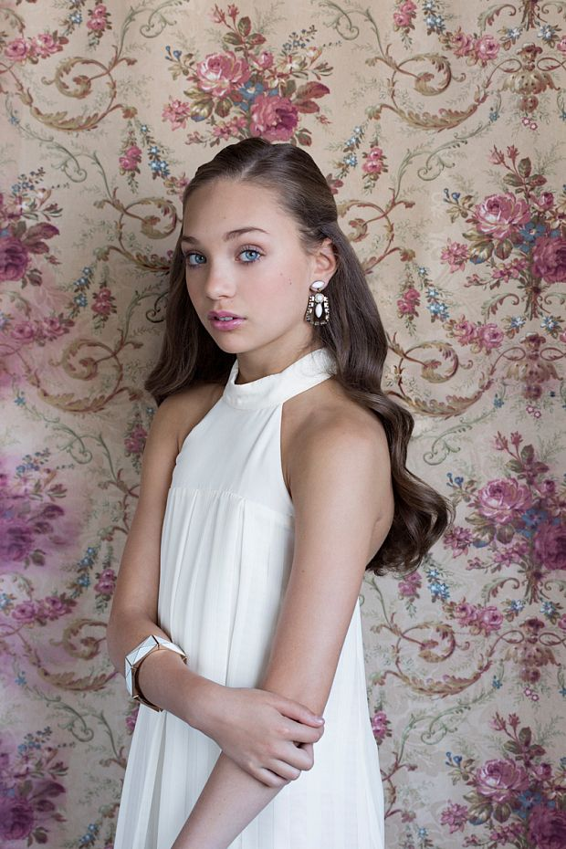 Open rp)) not Kenzie)) *locked my door and starts crying and than you say something* ~Maddie