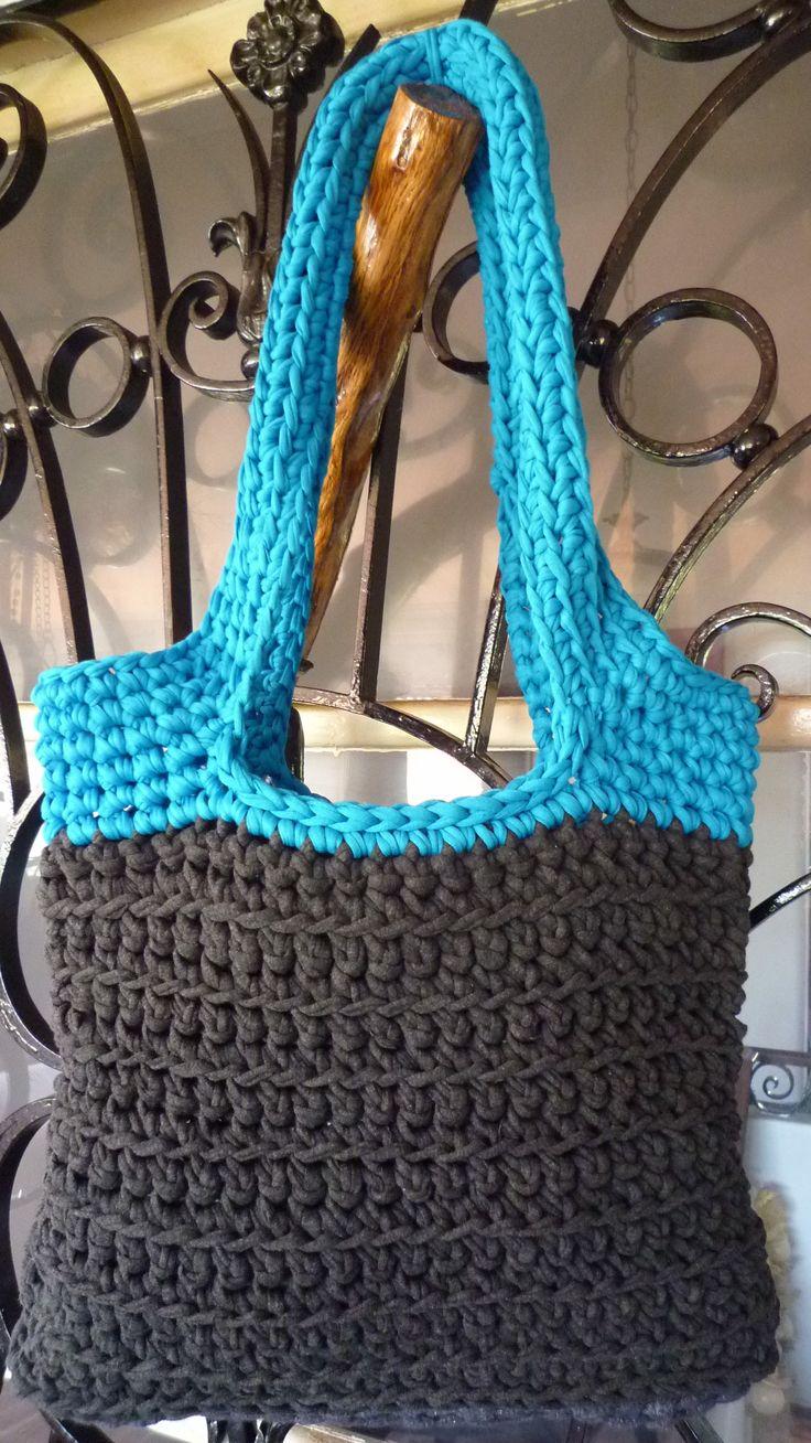 http://www.aliexpress.com/store/group/T-Shirt-Tutu-Yarn/1687168_503467951.html T shirt fil   Crochet bag (t-shirt yarn) no pattern.... just for inspiration