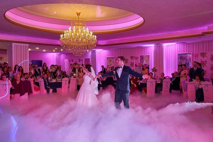Fum greu pentru dansul mirilor  #nunta #dansul_mirilor #gheata_carbonica #fum_greu #luminiambientale