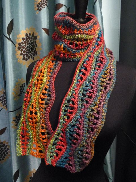 Pretty! Wavy-Gravy Scarf pattern. This would look great in a self-striping yarn like Liberty Wool.