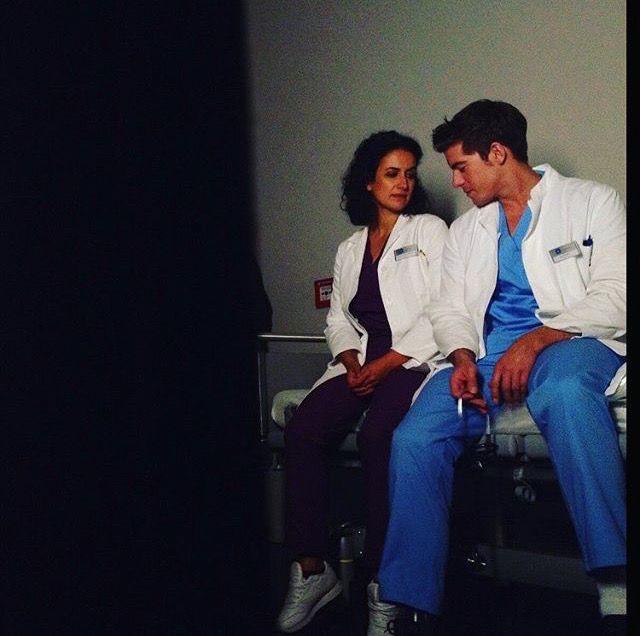 Die jungen Ärzte - Dr. Leyla Sherbaz (Sanam Afrashteh) & Ben Ahlbeck (Philipp Danne) | Behind the scenes
